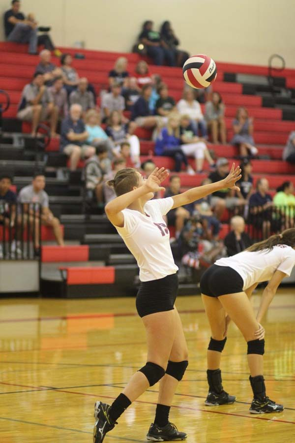 Volleyball prepares for district with win against McNeil