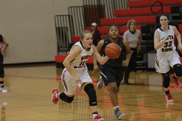 Girls basketball beats Round Rock to extended streak