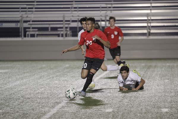 Boys soccer ends season with 14-3-5