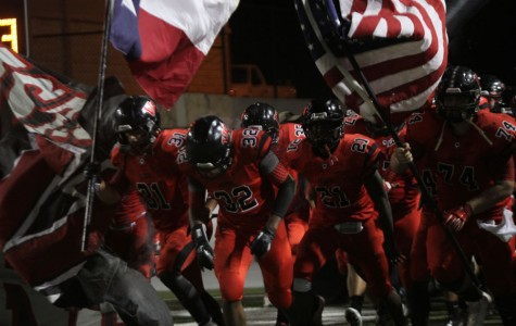 Varsity Football Outscores Seguin by Seven Touchdowns