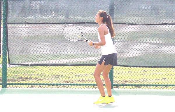 Tennis team serves ideas about this years season