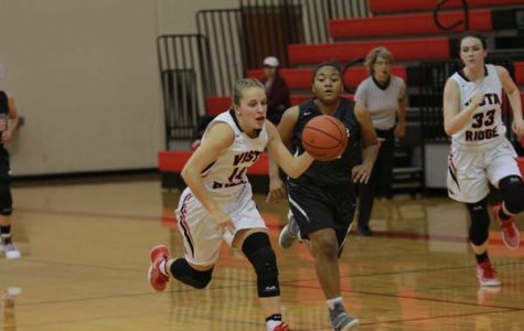 Girls basketball beats Round Rock to extended streak