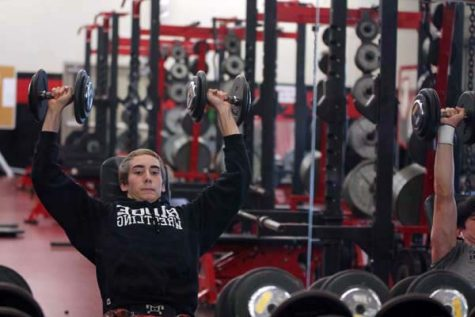 Wrestling captain leads team by staying focused, fit