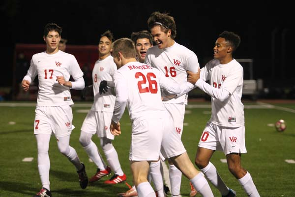 Boys soccer blows out Vandegrift
