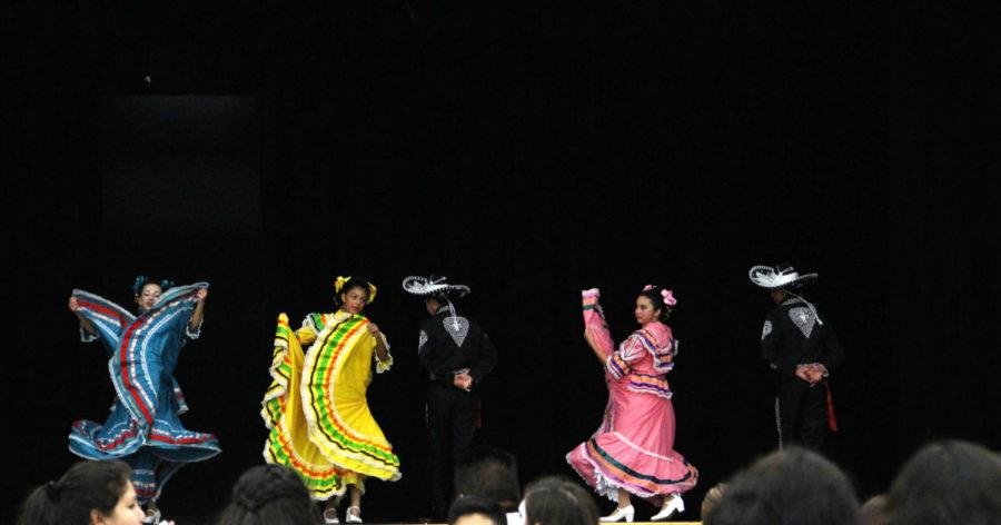 Spanish club hosts Dia de los Muertos