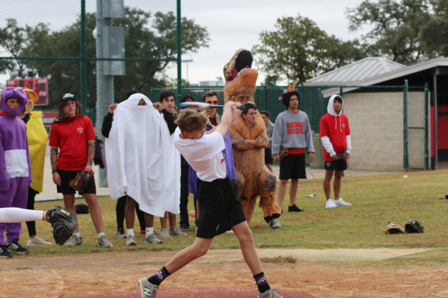 Second+period+baseball+scrimmages+in+costume+on+Halloween.
