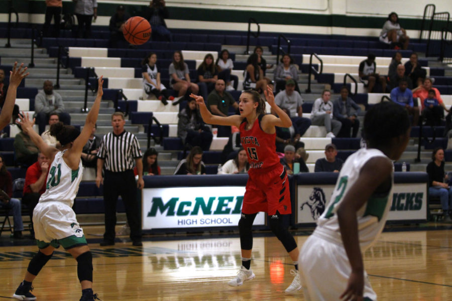 Varsity girls basketball adjust to young team, prep for district play