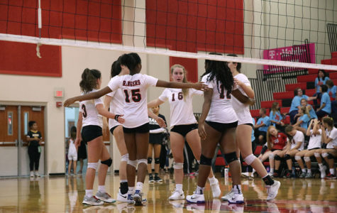 Varsity Volleyball Hosts Smiles 4 Sammy Fundraiser on Sept. 25
