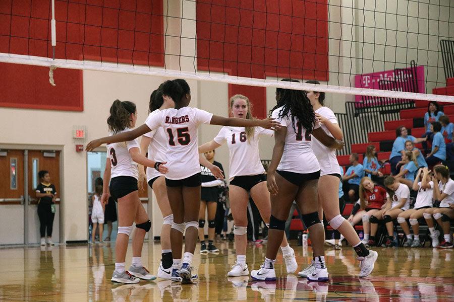 Varsity Volleyball Hosts Smiles 4 Sammy Fundraiser on Sept. 25