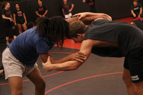 Wrestling starts season, travels across Texas competing in tournaments