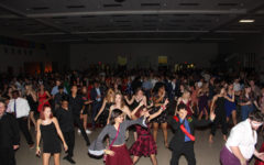 Students Catch Saturday Night Fever at Homecoming Dance