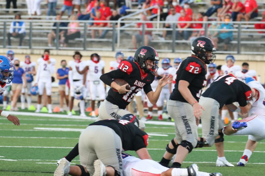 Senior Quarterback Leads Team, 4-1 in District